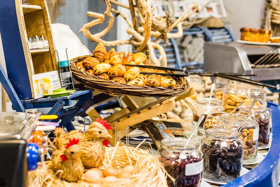 Hotel-Aigue-marine-2019-Buffet-petit-déjeuner-Minis-3