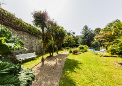 Hotel-Aigue-marine-2019-Jardin-Allée-Banc-Potager-Arbres-Minis-315-400x284