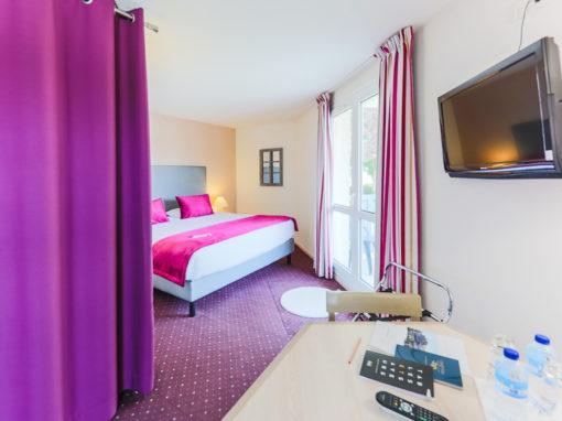 Hotel-Aigue-marine-2019-SUPERIEURE-KING-Espace-séjour-Ecran-plat-Dressing-Minis-217-510x382
