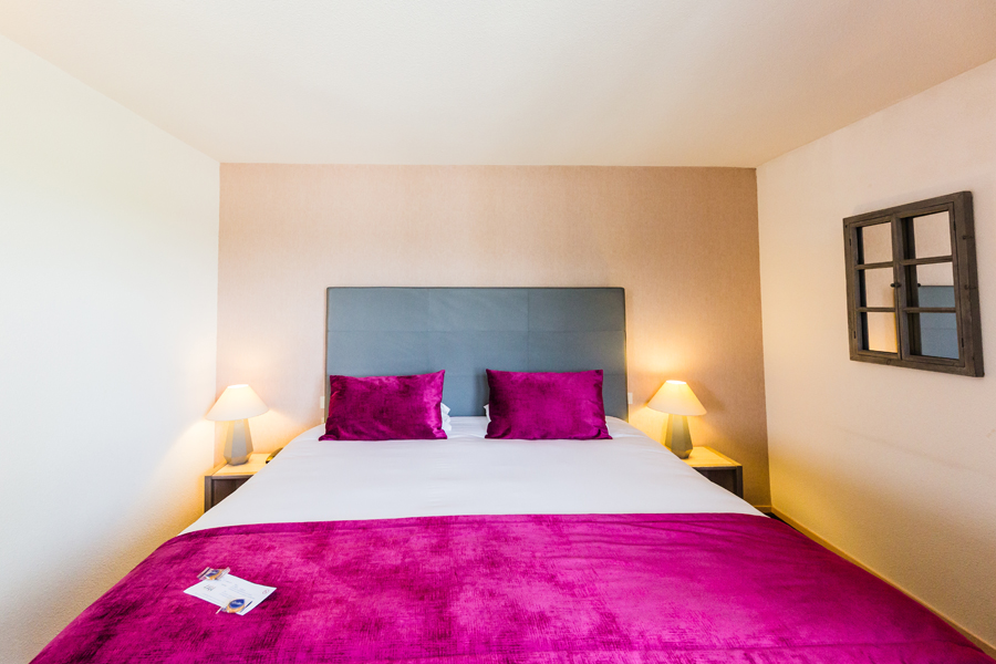 Hotel-Aigue-marine-2019-SUPERIEURE-KING-Lit-King-size-alcove-Minis-221