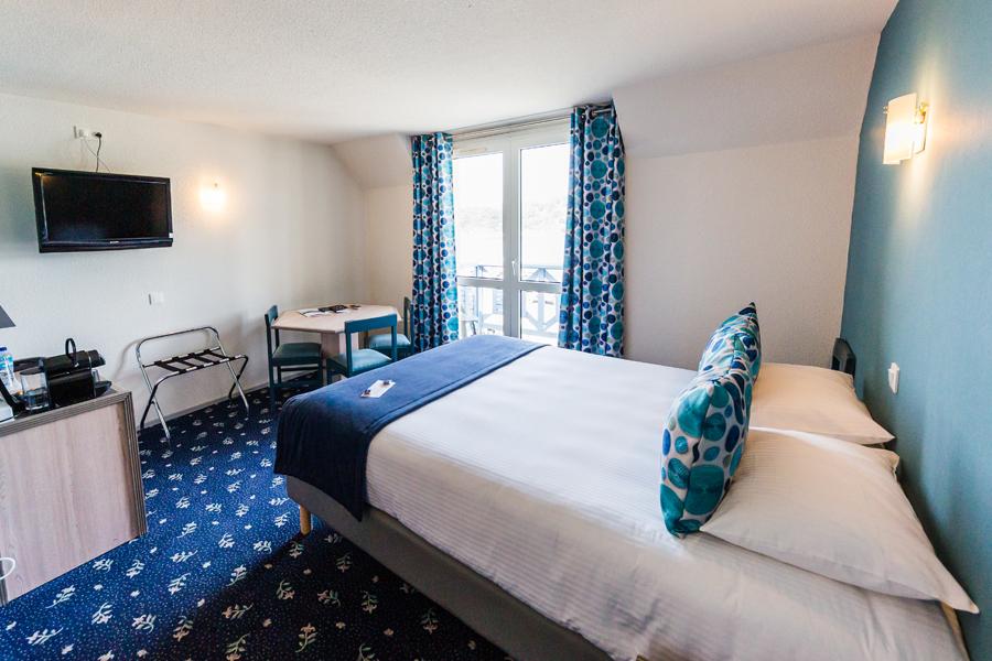 Hotel-Aigue-marine-2019-SUPERIEURE-TRIPLE-Lit-Queen-size-Espace-séjour-Porte-bagage-TV-Commode-Accès-balcon-Minis-282