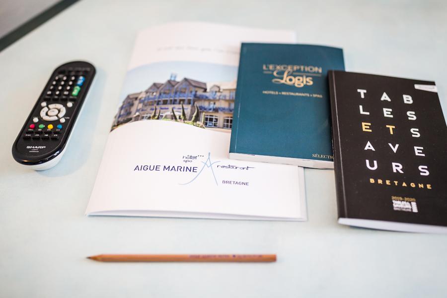 Hotel-Aigue-marine-2019-Télécommande-Livret-daccueil-catalogue-Minis-279